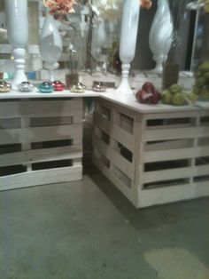 Pallets create end tables