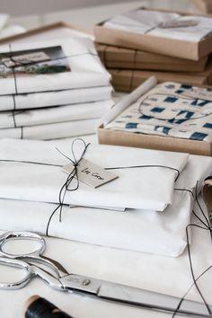 The Beautiful Handmade Textiles of Lee Coren Scarf Packaging, Tea Packaging, Paper Packaging, Brand Packaging, Packaging Design, Packaging Ideas, Branding Ideas, Product Packaging, Brown Paper Packages