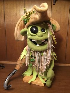 Pirate puppet, like my Skeleton. Marionette Puppet, Sock Puppets, Skeleton Puppet, Ventriloquist Puppets, Professional Puppets, Types Of Puppets, Felt Monster, Puppet Patterns, Puppet Making