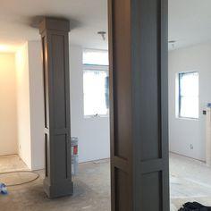 Exterior house columns white trim 42 Ideas for 2019 Columns Decor, House Columns, Brick Columns, Interior Columns, Facade House, Interior Design, Columns Inside, Exterior House Colors Combinations, Benjamin Moore Exterior