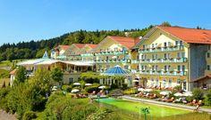 ANGERHOF SPORT- UND WELLNESSHOTEL ****S Wellness Hotel | Bayern | Deutschland.  Das Angerhof Sport- und Wellnesshotel ist ein persönlich und familiär geführtes Erlebnishotel, gelegen in schönster, naturnaher Südhanglage mit Fernblick über den Gäuboden, auf 900 m Höhe in Sankt Englmar, dem bekannten Sommer- und Wintersportort im Bayerischen Wald. www.leadingspa.com #leadingsparesort #bayern #litusorium #klangwelten #märchentage #ドイツ  #Германия
