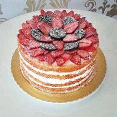 O que vocês acharam deste Naked Cake?   #bolosdecorados #bolosparafestas #nakedcakes