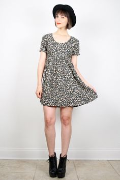 Vintage 90s Dress Soft Grunge Dress Mini Dress 1990s Dress Dark Hunter Green Liberty Floral Print Babydoll Dress Boho Tshirt Dress S Small #vintage #etsy #90s #1990s #grunge #softgrunge #babydoll #dress