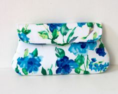 Clutches – Floral Blue and White Clutch – a unique product by oyeta via en.DaWanda.com #springiscoming