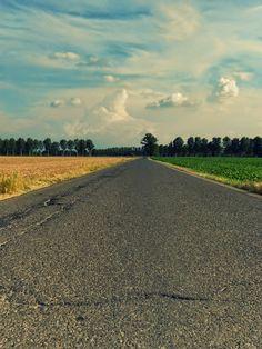 La foto più bella che abbia mai fatto, con il tema della strada...  #nikon , #photo , #stradadicampagna , #sky , #fotos