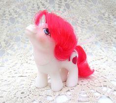 Vintage My Little Pony White Valentine Twin by PickyPonyVintage