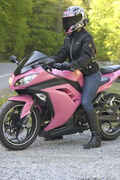Pink ninja 300 holy shit!!! It comes in pink?!?!?