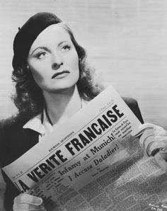 Michele Morgan #beret #francais Golden Age Of Hollywood, Classic Hollywood, Old Hollywood, Classic Actresses, French Actress, Got The Look, Paris, Munich, Movie Stars