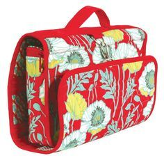 You may forget your mascara, but you definitely don't want to leave home without these adorable DIY travel makeup bags! Check out the assortment of cosmetic case sewing patterns and make your own.