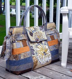 A really BIG BAG ! With lots of pockets. Two pockets on the outside and 6  on the inside.Size  22 wide x 18 tall and 6 deep.Uses 1 yard x 58 ... 89bff6b6d81
