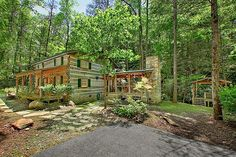 The Ogle family was one of the pioneering families of Sevier County, Tennessee in the mid-19th century. Jim Ogle, a direct descendant, decided to recreate an authentic style log cabin to share his heritage with you. This lovely, secluded 3 bedroom cabin sits on the stream and is located 10.6 miles from the Gatlinburg city limit and just minutes from downtown.