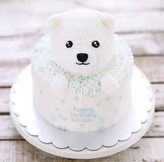 Cute furry cake - Page 12 of 23 - zzzzllee Bear Birthday, 14th Birthday, Birthday Cake Girls, Girl First Birthday, Birthday Ideas, Polar Bear Party, Wolf Cake, Baby Shower Winter, Bear Cakes