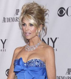 Christie Brinkley rocks a bombshell updo