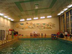 Amsterdam, Marnixbad, voor de verbouweing. Dit is het oude instructiebad. Swimming Diving, Amsterdam, Memories, Travel, Vintage, Nostalgia, Memoirs, Souvenirs, Viajes