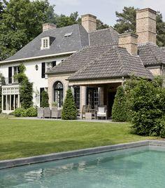 Belgian architect brick grey roof and neutral paint colors exterior inspiration pinterest - Villa decoratie ...