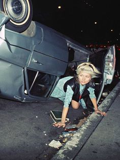 "retropopcult: "" forever-blondie: """"Debbie Harry photographed by Bob Gruen "" "" Taken at the site of a wreck at Avenue and Street in New York City, "" Best Workout Routine, Workout Routines For Women, Female Rock Stars, Chica Punk, Cindy Sherman, Blondie Debbie Harry, Film Inspiration, The New Wave, Joan Jett"
