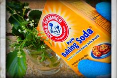 How To Make Your Fresh Flowers Last Longer With Baking Soda - Frugal Blossom Borax Cleaning, Diy Home Cleaning, Bathroom Cleaning Hacks, Cleaning Wood, Household Cleaning Tips, Cleaning Recipes, House Cleaning Tips, Diy Cleaning Products, Cleaning Solutions
