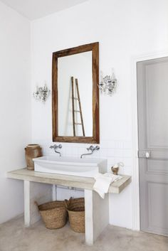 Grove House: Polished Concrete Floors in the bathroom with concrete sink from Heather Bullard Bad Inspiration, Bathroom Inspiration, Laundry In Bathroom, Master Bathroom, Wood Bathroom, Simple Bathroom, Design Bathroom, Bathroom Vanities, Modern Bathroom