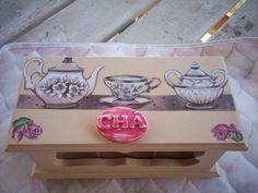 Caixa de chá com 3 divisões
