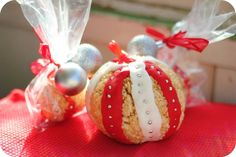 Rice Krispies Holiday Ornament - Would like to try  a pumpkin shape with orange and green!