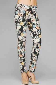 The Skinny In Twill Midnight Floral Print | 7 For All Mankind // tried this on in store looks wonderful <3