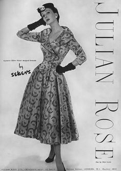 Such an elegant pattern and figure flattering cut. #vintage #dress #1950s #fashion #gloves #hat