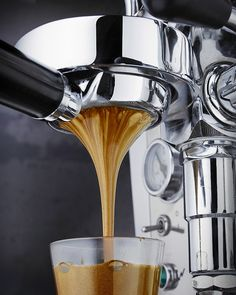 Many Italians call espresso a romantic kind of coffee and it's easy to see why. The nature of espresso is such that it doesn't take a whole lot to fill you up. Coffee Is Life, I Love Coffee, Best Coffee, Coffee Cafe, Coffee Drinks, Coffee Shops, Coffee Lovers, Iced Coffee, Starbucks Coffee