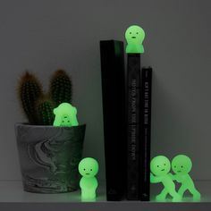 Smiski Glow in the Dark Series 4 secret Mini Figure un aveugle Box Figurine aléatoire