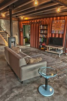 Sooo....live like this...how much $$$ would you save... Shipping Container House by Studio H:T