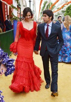 Las mujeres tienen muchas variantes entre las que elegir pero esta opción  para hombre es la mejor.  traje  corbata  flamenca  Andalucía  FeriadeAbril    ... d5cd55b74930