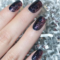 Holiday Nail Art Ideas: Midnight Sparkle