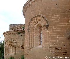 Cabecera románica de ábsides semicirculares