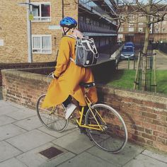 Off to work #goodordering style. #GOSTYLEDOSE Your daily dose of London cycle street style by Jacqui Ma #cyclestyle #cyclechic #bikestyle #cyclestyle #eastlondon #hackney #whyibike #singlespeed #spaceforcycling #instabike #bicycles #fixie #bikeinthecity #bikepretty #mycommute #cyclist #wellplacedbike #streetstyle #baaw #london #biking #foreverbuttphotos #fitspro #outsideisfree #mustardyellow