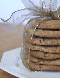 Triple Chocolate Toffee Caramel Cookies - 365 Days of Baking Cookie Brownie Bars, Roll Cookies, Caramel Cookies, Cookie Desserts, Yummy Cookies, Just Desserts, Chocolate Chip Cookies, Yummy Treats, Cookie Recipes