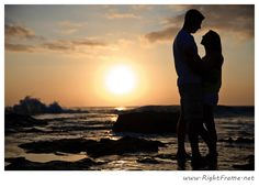 www.rightframe.net – Hawaii engagement photography at Secret Beach (Lanikuhonua Beach), Ko olina. Hawaii, Oahu, couple, engagement, photographer, photography, photographers, professional, paradise cove