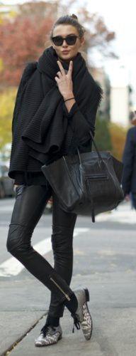 Dikke zwarte wollen sjaal