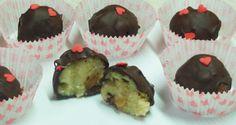 Χαλβαδάκια με σοκολάτα…. δοκιμάστε τα, πραγματικά υπέροχα!! (φωτογραφίες) – Timeout.gr The Kitchen Food Network, Greek Sweets, Sweet Corner, Greek Dishes, Food Network Recipes, I Foods, Sweet Recipes, Muffin, Food And Drink