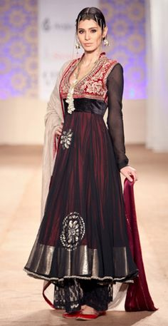Anju Modi #asian_fashion #fashion #women #femininity #saree