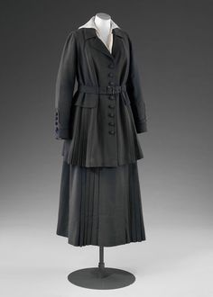Tailored jacket and skirt  Place of origin: London, England (made)  Date: c.1915 (designed)  Artist/Maker: Lucile (designer)  Materials and Techniques: Wool gabardine  Museum number: T.27&A-1960 | V&A