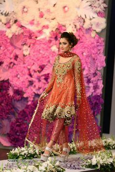 New ideas for indian bridal clothes pakistan Pakistani Mehndi Dress, Pakistani Wedding Outfits, Indian Bridal Lehenga, Bridal Outfits, Pakistani Dresses, Indian Dresses, Bridal Dresses, Anarkali Bridal, Bridal Shoes