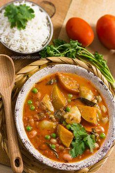 A recipe for a heartwarming vegan / vegetarian Mauritian daube (stew) — fresh borlotti beans and butternut squash daube.