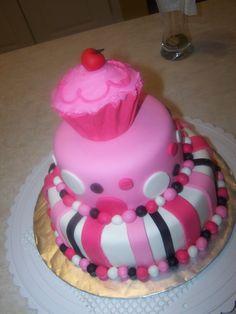 Filed under: Custom Cakes , Kids Birthday Cakes — bethannray @ 3 … - Pink Cake Decoration Ideen Fancy Birthday Cakes, Cupcake Birthday Cake, Birthday Cake Girls, Fancy Cakes, Cupcake Cakes, Bday Girl, Birthday Crafts, 7th Birthday, Birthday Ideas