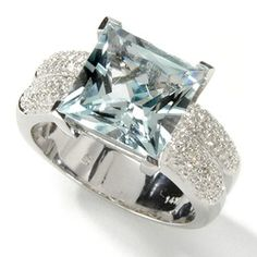 Bit big for a wedding ring ... but other than that its awesome!!!!!!!!!