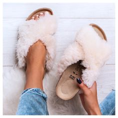 Slippers, Shoes, Fashion, Moda, Zapatos, Shoes Outlet, Fashion Styles, Slipper, Shoe