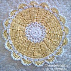 Weaving Arts in Crochet: Baby wipes Cute Crochet Mat, Crochet Dollies, Crochet Doily Patterns, Crochet Home, Thread Crochet, Filet Crochet, Crochet Designs, Crochet Placemats, Crochet Circles