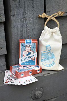 KlarDeck doppeltes Kartenspiel, Packaging Design für maritimes Kartenspiel, 55 Karten plus Pokerwertung