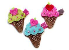 Artículos similares a Cono de helado fieltro clip pelo - U escoger el sabor / pinza de pelo del bebé / pasador. en Etsy