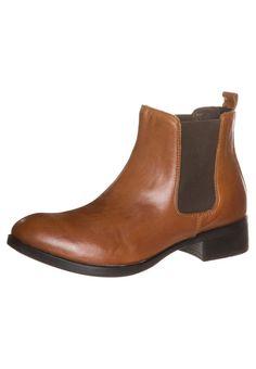 Kiomi perfect tan chelsea boots