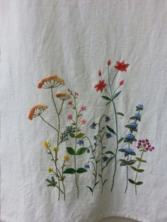 Wonderful Ribbon Embroidery Flowers by Hand Ideas. Enchanting Ribbon Embroidery Flowers by Hand Ideas. Herb Embroidery, Hand Embroidery Projects, Japanese Embroidery, Silk Ribbon Embroidery, Hand Embroidery Designs, Embroidery Techniques, Embroidery Stitches, Embroidery Patterns, Machine Embroidery