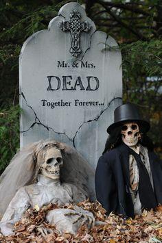 Mr & Mrs Skeleton Tombstone